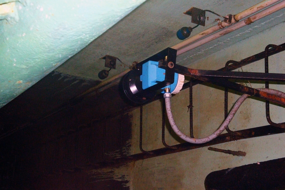 Ultrasonic level devices installed on drainage pumps